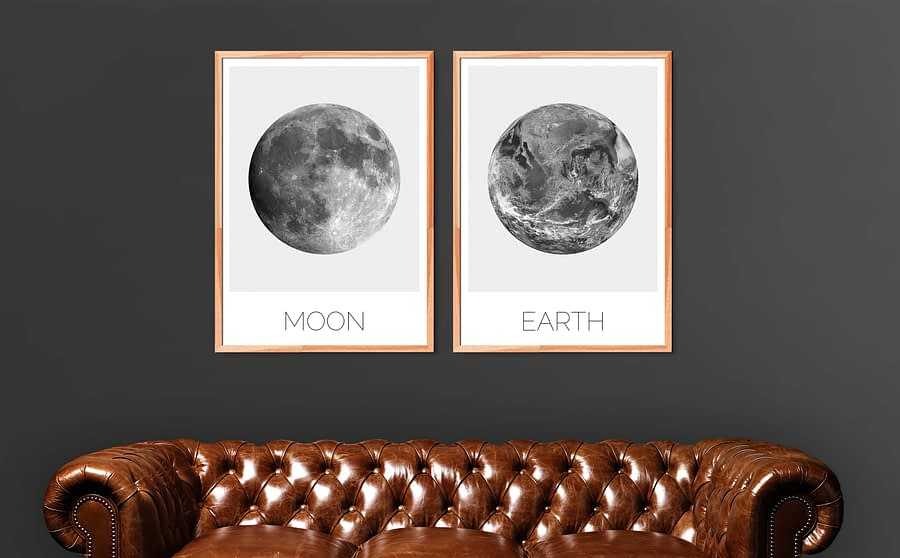 Earth en Moon posters samen